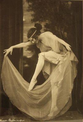 foto-anna-pavlova-strauss-peyton-1916