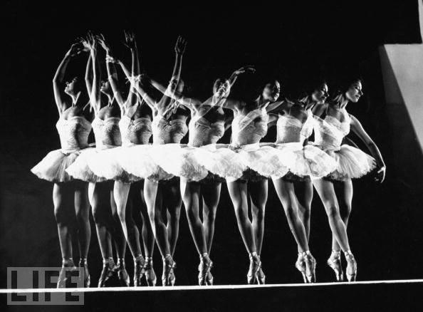 gjon-mili-estudio-fotografico-aparecido-el-1-de-enero-de-1944-en-la-revista-life